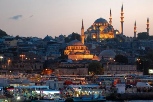 Istanbul mosques lit up